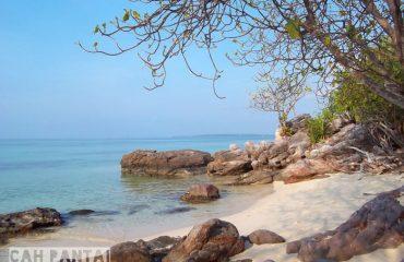 03 Pantai Batu Topeng