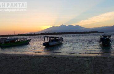 Sunrise dengan view Gunung Rinjani